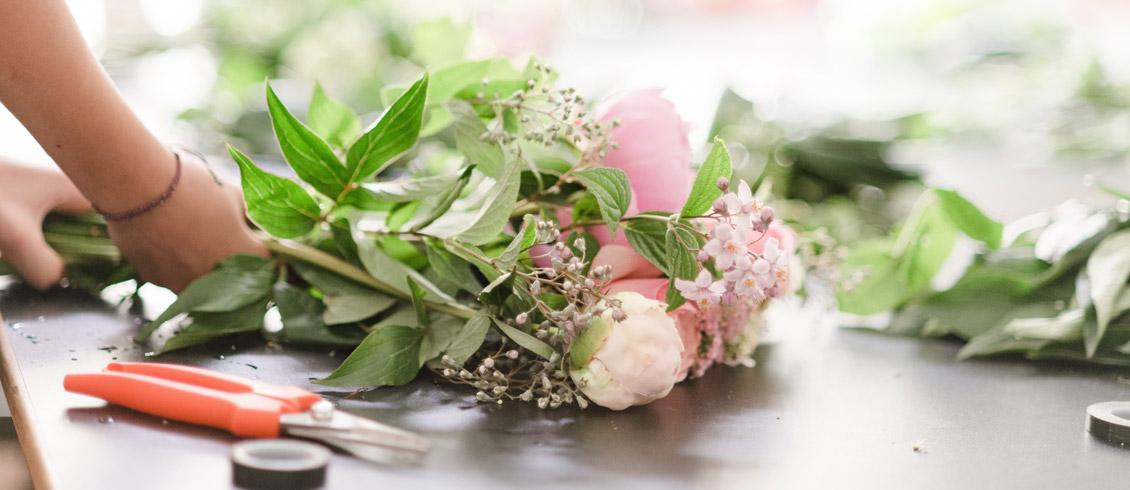 Ateliers cours floraux sur Genève confection du bouquet