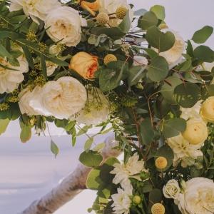 detail arche florale sur mesure